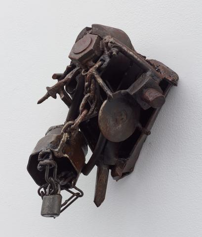 Melvin Edwards, Route des esclaves, 1995-99, welded steel. Courtesy Alexander Gray Associates, New York.